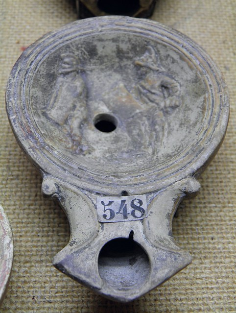Terracotta oil lamp with gladiatoral scene, Musée gallo-romain de Fourvière, Lyon