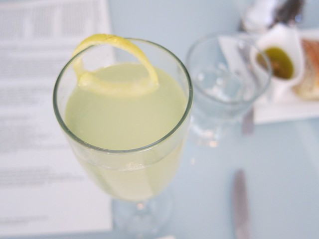 Prosecco and limoncello - yum