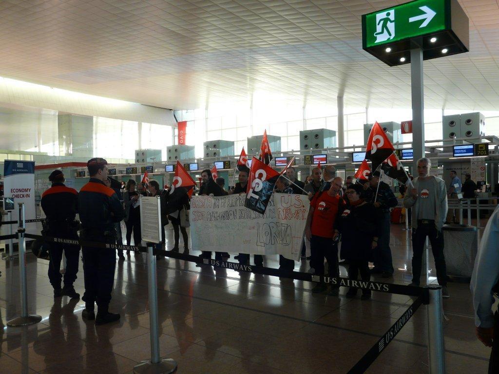 Concentració a l´aeroport del Prat per acomiadaments a US AIRWAYS