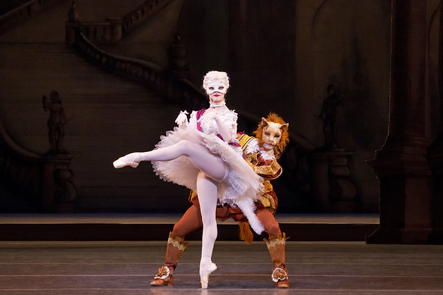 Iohna Loots and Paul Kay in The Sleeping Beauty © ROH/Johan Persson, 2011