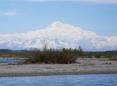 McKinley widocznyz okna pociagu z Anchorage do Talkeetna