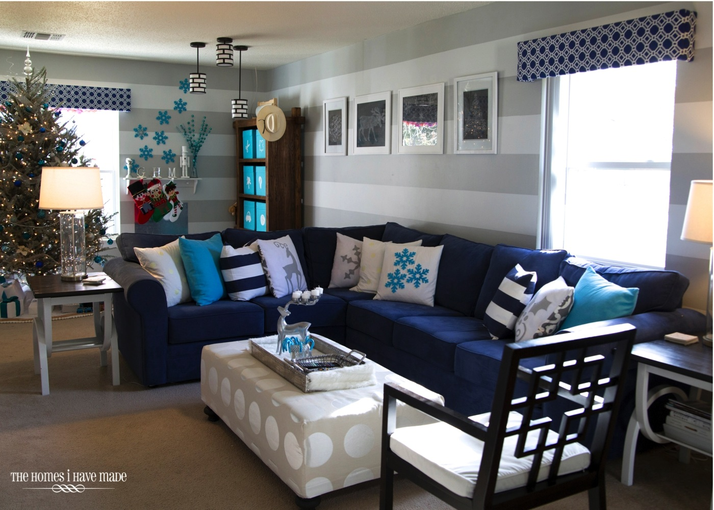 A turquoise blue and silver christmas the homes i have made for Living room xmas ideas