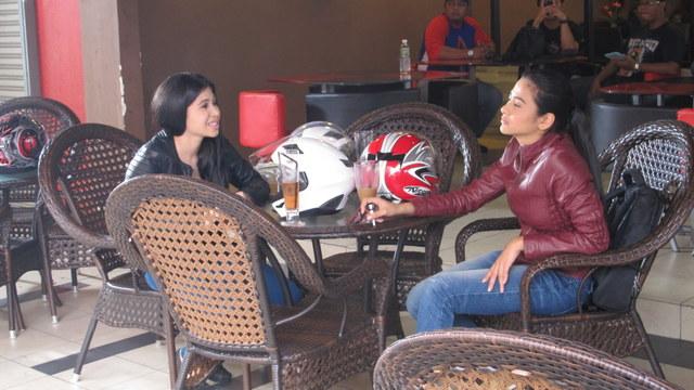 Babak Di Cafe