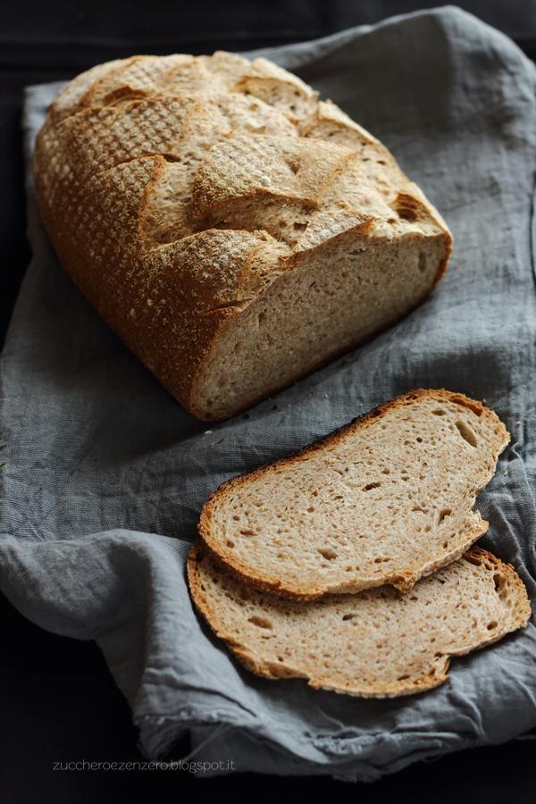 Pane semintegrale a lievitazione naturale