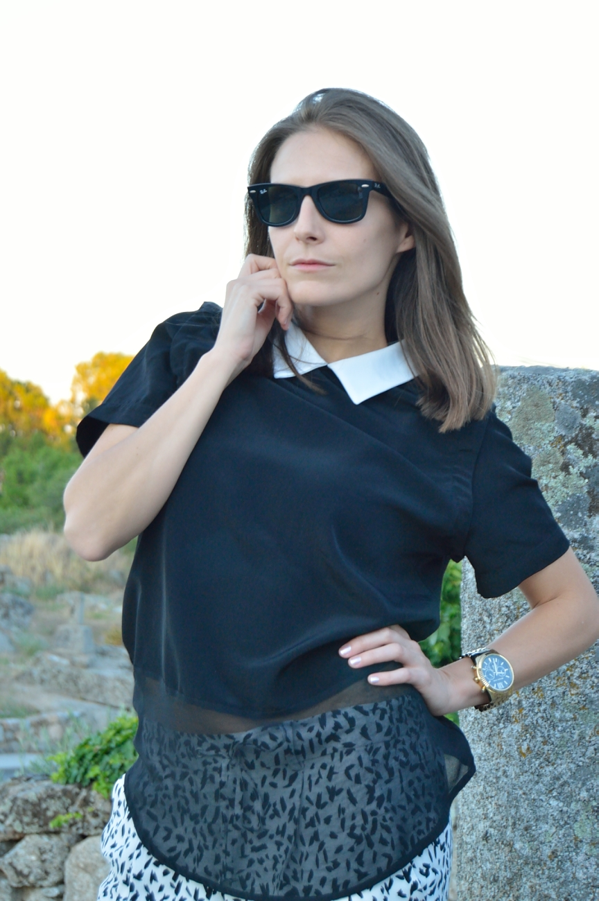 lara-vazquez-madlula-fashion-black-tee