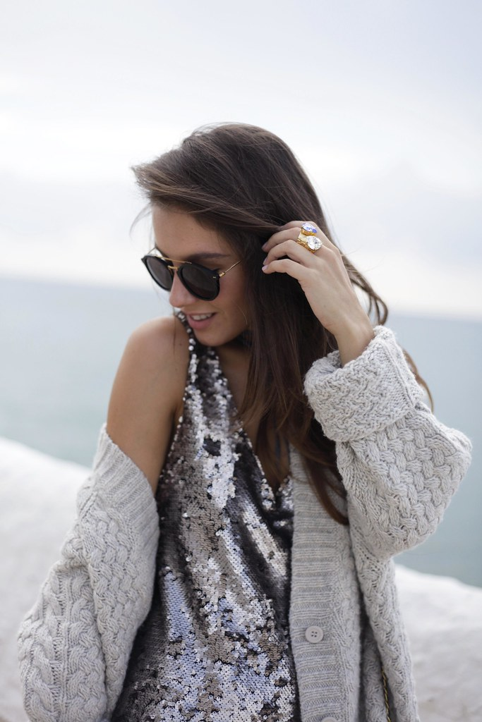 016_casual_outfit_sequins_and_cardigan_Mysundaymornig_theguestgirl_blogger_barcelona_influencer