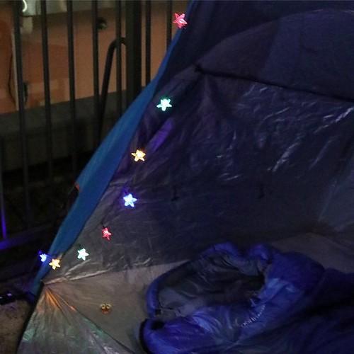 テントに付けてみた。