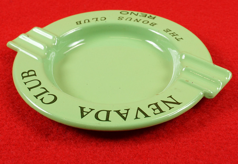 RD15054 Vintage Ashtray NEVADA CLUB - THE BONUS CLUB - RENO Green Metal Art Deco DSC06943