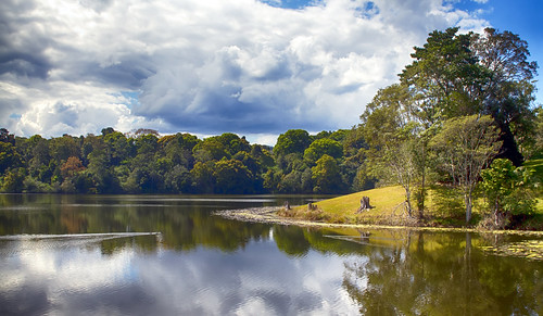Rocky creek dam (HDR)