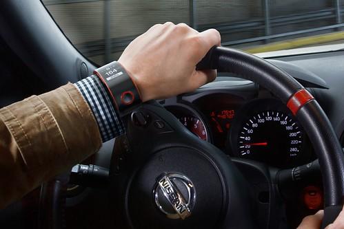 Часы Nissan Nismo
