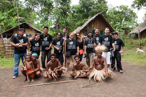 Group photo with the Ati Tribe in Loay, Bohol