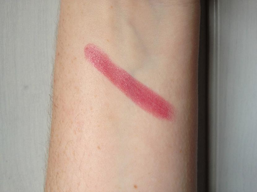 MAC_Lustre_Lipstick_Plumful_Wrist_Swatch