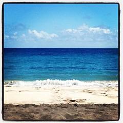 #kindaflat #layercake #hamoa #hamoabeach #maui #hawaii #thisisthelifebaby #whitesand #saltair #sunshine #salubrious