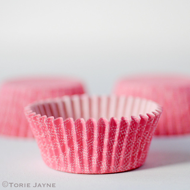 Pink & white check small cupcake cases