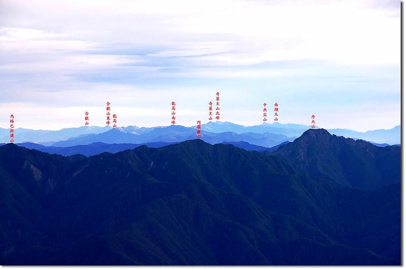 中央山脈群峰(馬西山北望,右下為丹大山) 2
