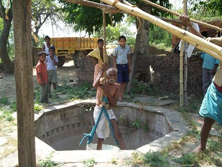A sprightly 95 year young Dhanikram Verma, inspects wells (Credit:Saurabh Singh Inner Voice Foundation)