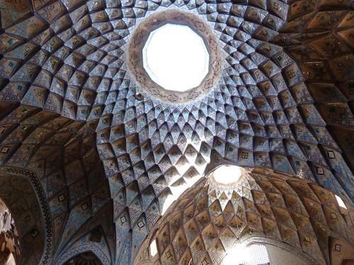 Interior del caravasar de Kashan (Irán)