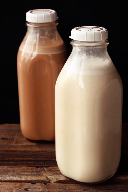 Homemade Raw Almond Milk