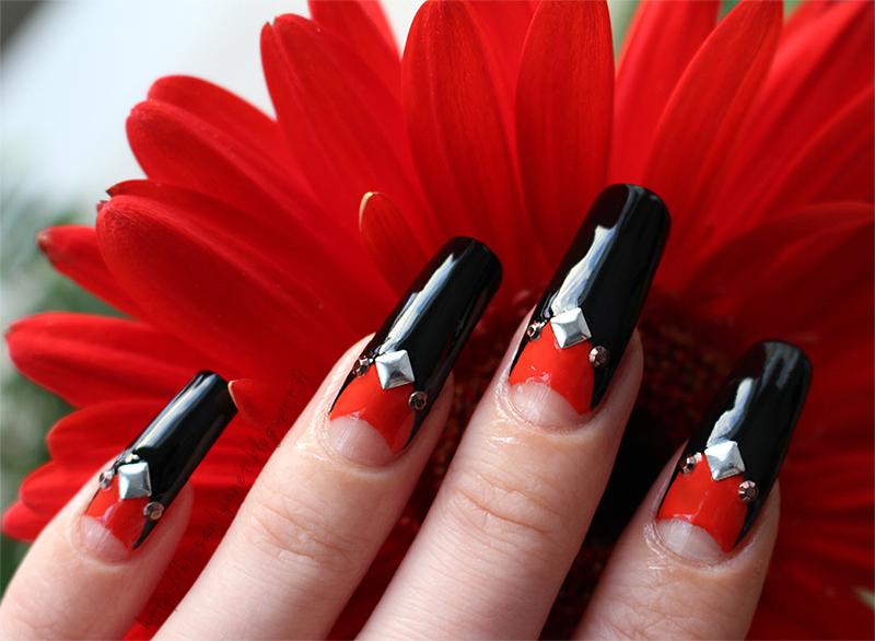 Rivet halfmoon manicure