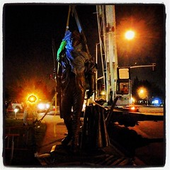 The Minute Man statue is being lifted into place at #milpitas City Hall tonight. #soskiphoto #onassignment #photojournalism #photojournalist #milpitaspost @milpitaspost