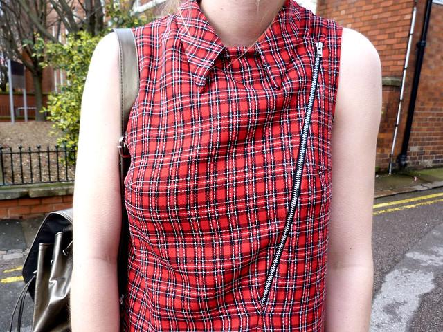 LOVE Tartan zip shift dress | fashion blogger outfit post | Metallic rucksack