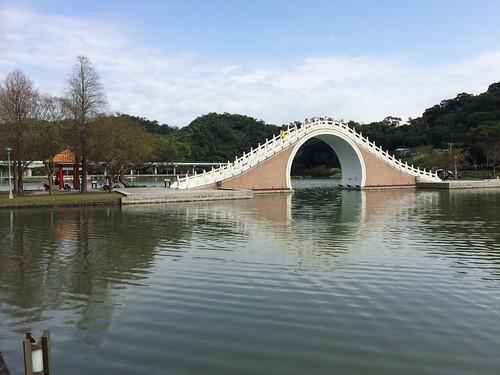 大湖公園 by Zoe & Sean