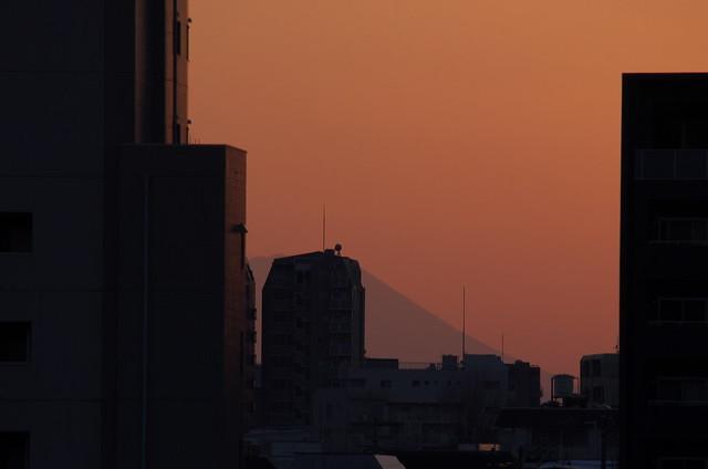 東京路地裏散歩 雪の谷中フォトウォーク 富士見坂からの富士山 2014年2月16日