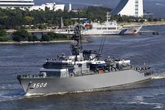 晴海埠頭へ練習艦隊の入港を見に行く
