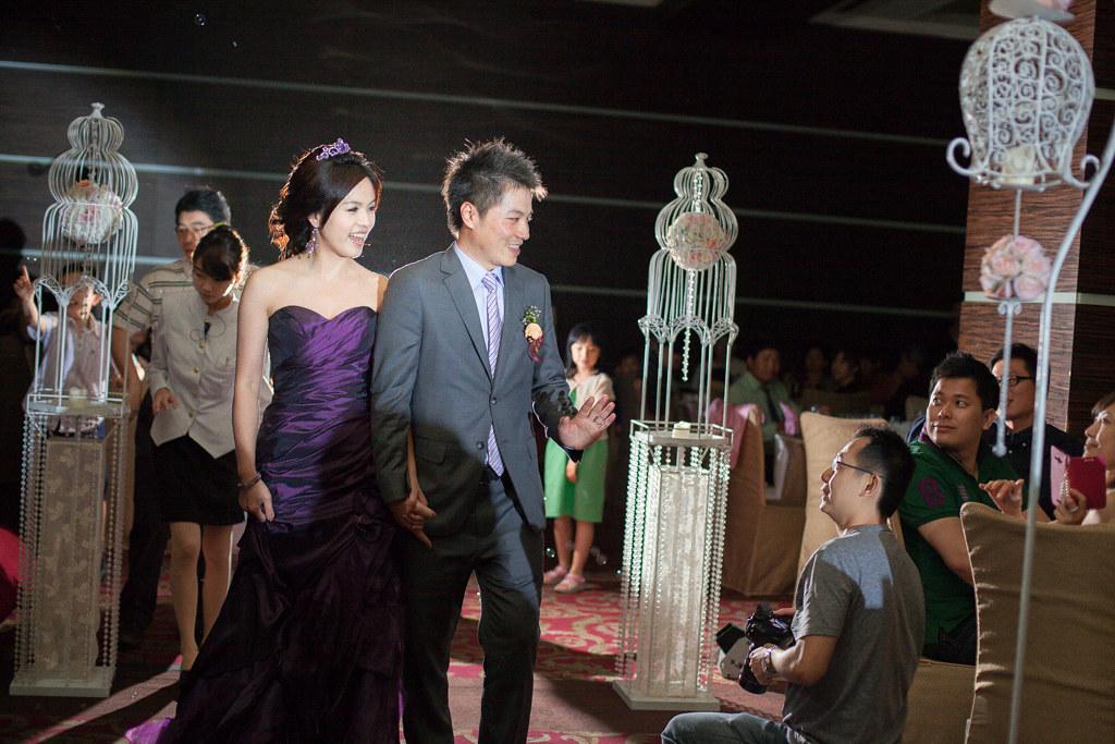 【婚禮紀錄∣攝影拍照】基隆優質婚攝婚錄 台北徐州路2號 新娘祕書EVA 有政+芳瑩