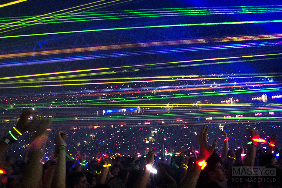 Coldplay's spectacular light show fires up.
