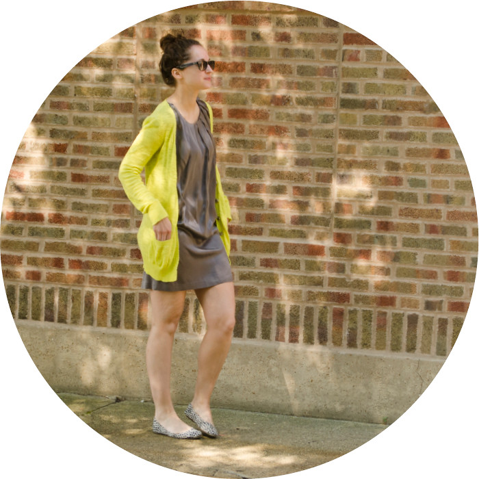 july outfits, neon and gray, joie silk dress, weekend wear, patterned old navy flats, grey and yellow, saturday