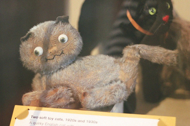 1920s soft toy cat