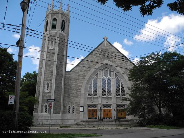 Eglise Notre-Dame-de-la-Paix 03