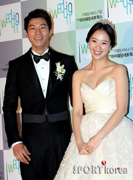 KOREAN ACTORS MARRIED (7)