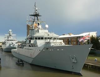 HMS Tyne P281 (2) @ KGV Lock 08-09-13