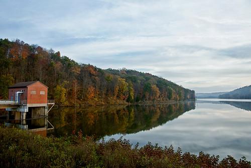 autumn fall water colors maryland reservoir d200 pumphouse frostburgreservoir