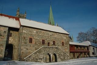 Imagine de Erkebispegården. trondheim archbishopspalace stedr