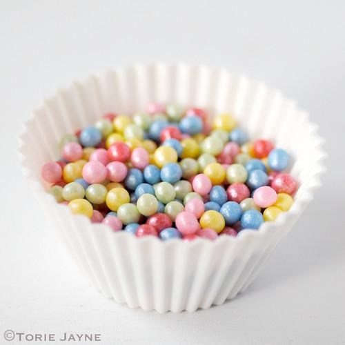 Coloured sugar pearls