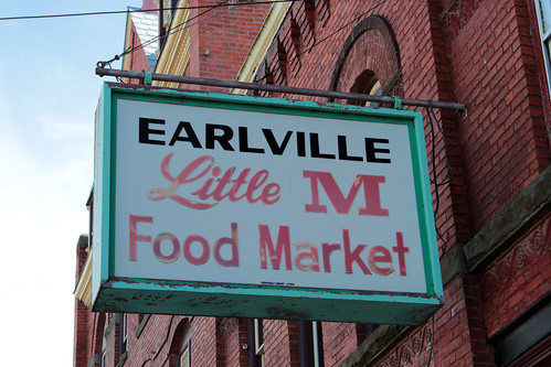 Earlville Little M Food Market