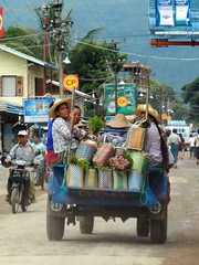 Nyaung shwe market day ride 1