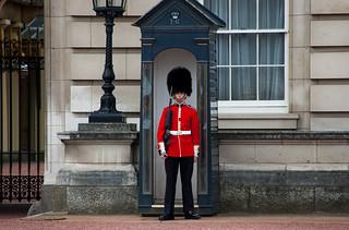Soldat de garde à Buckingham Palace