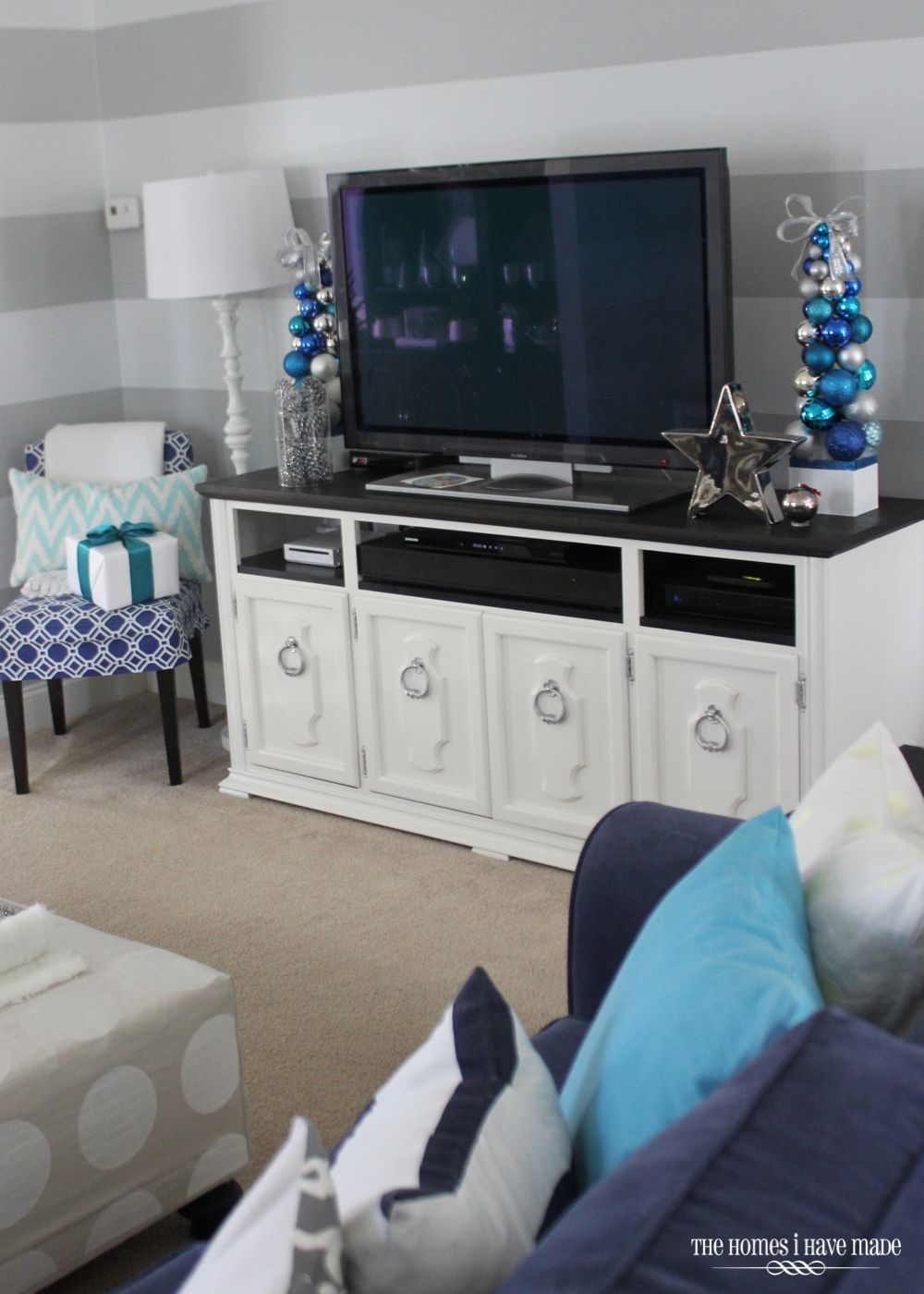 Holiday Living Room 2013-020