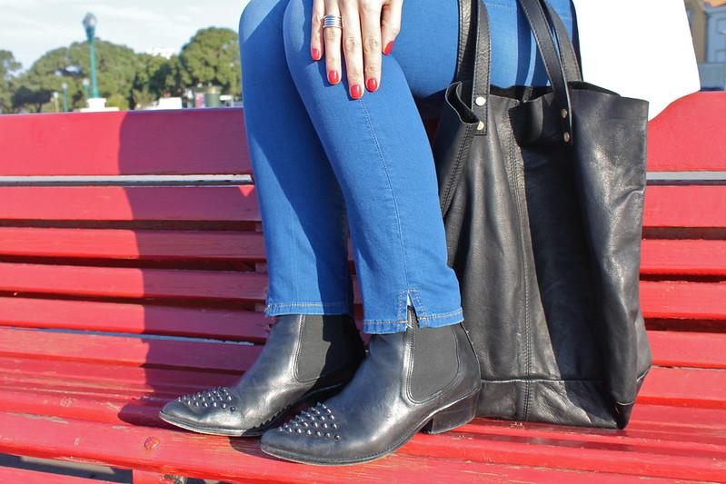 look de embarazada_segundo_trimestre_como_vestir_embarazada_en_invierno_botines_it_shoes_jeans_premama_zara_blazer_smoking_zara_bolso_it_shoes_camisa_de_jeans_abercrombieandfitch_anillo_bulgari1