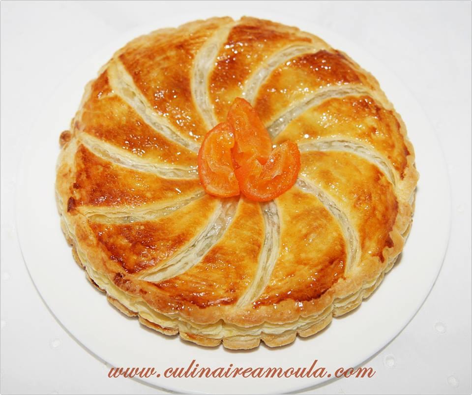 Galette des rois à la crème amandine, lemon curd et clémentines confites  http://www.culinaireamoula.com/article-galette-des-rois-au-lemon-curd-et-clementines-confites-121861056.html