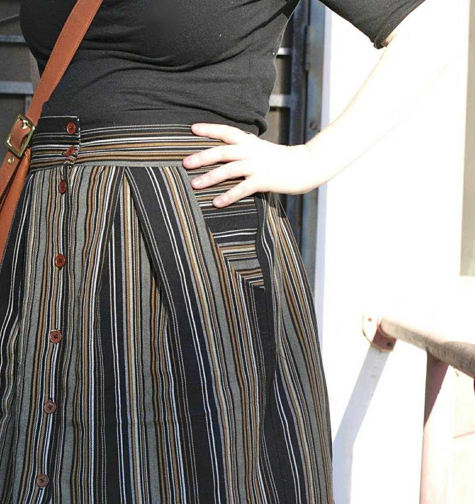 Kelly Skirt in Stripe - pocket detail