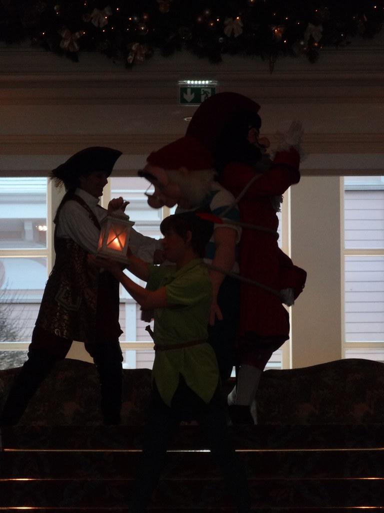 Un séjour pour la Noël à Disneyland et au Royaume d'Arendelle.... - Page 4 13693860264_d6a3d24d72_b