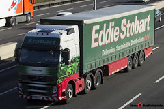 Volvo FH 6x2 Tractor with 3 Axle Curtainside Trailer - PX11 BYZ - H4682 - Jessica Jude - Eddie Stobart - M1 J10 Luton - Steven Gray - IMG_5046