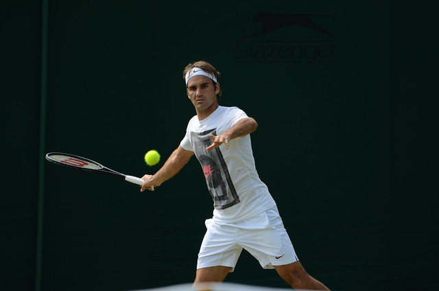 Federer watches the ball