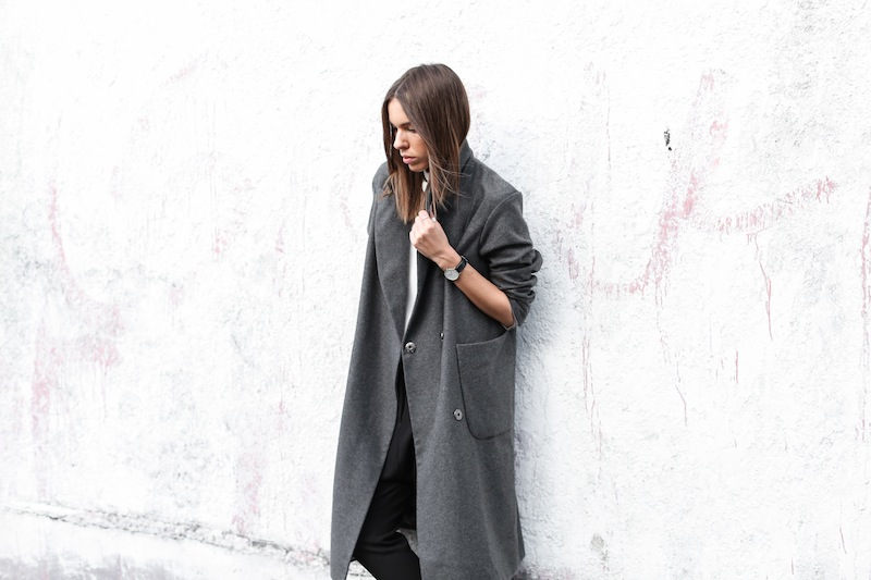 modern legacy fashion blog street style ASOS sale Oversized Grey Masculine coat Common Projects leather pool slide sandals Camilla and Marc Assent high neck top ankle zip Domain pants classic (6 of 11)