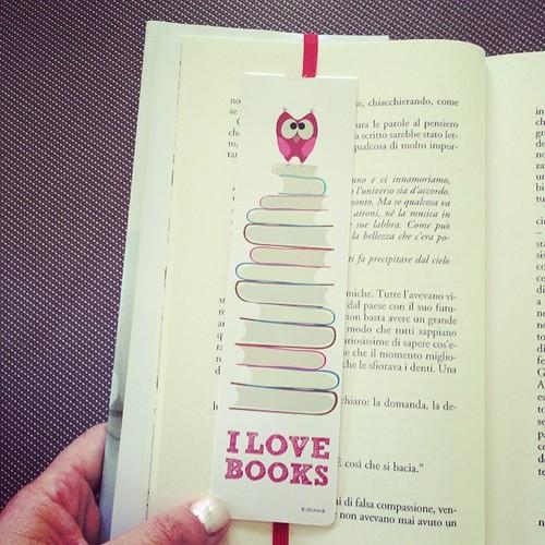 A new book a new book mark:) Un nuovo libro un nuovo segnalibro:)